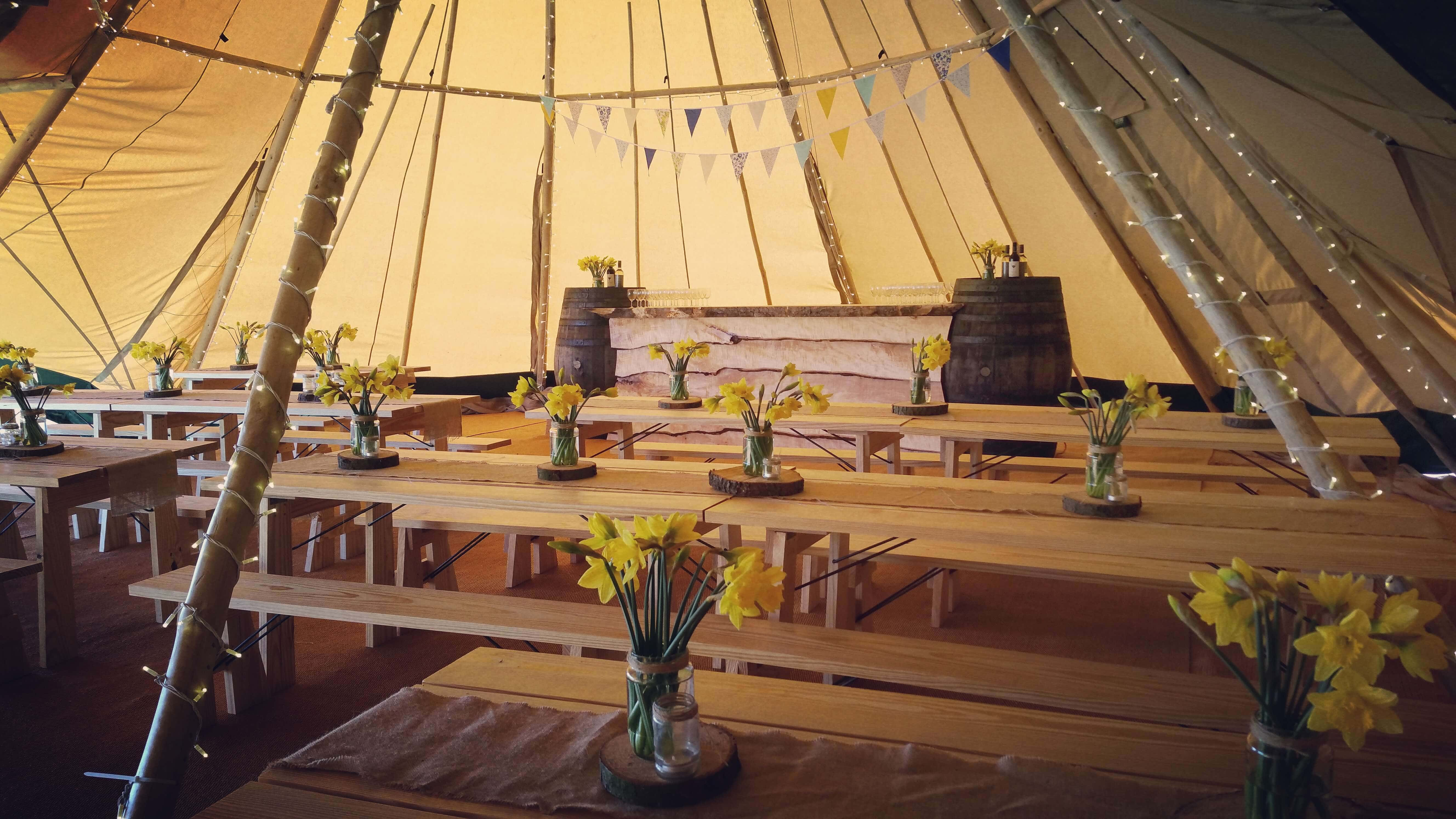 marquee hire nottingham marquees mansfield buster marquees. Black Bedroom Furniture Sets. Home Design Ideas