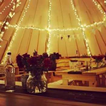 Tipi tent decorations